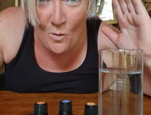 Heerlijk, voeg 1 – 2 druppels pure essentiële olie toe aan water…Jummieeee!
